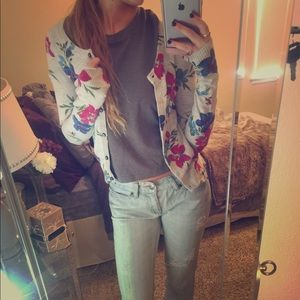Floral Fitted Cardigan
